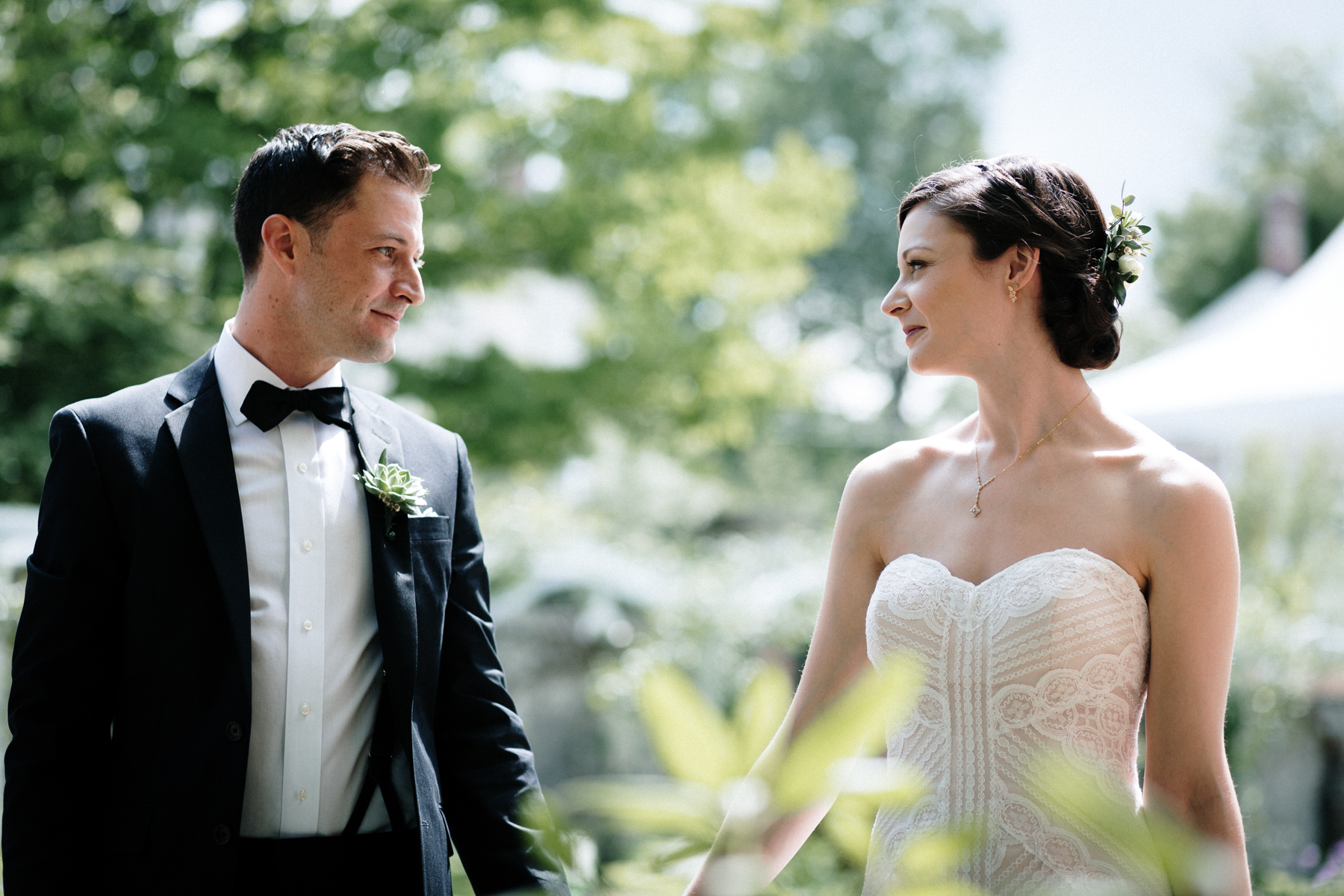 KEELER TAVERN GARDEN WEDDING PHOTOGRAPHER APRIL RENAE